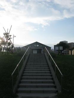怖い話  絶対通ってはいけない階段