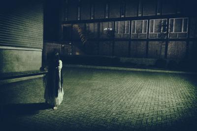 死者が練り歩く街