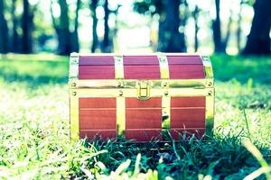 「夢の中に箱が出てきても絶対に開けてはダメだよ  その箱を開けたらとても恐ろしい事が起こるから」 という言い伝えについて