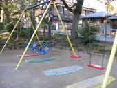 友達と夜中3人集まって、その日はたまたま普段あまり行かない公園で雑談しながらグダグダしてたんだ。