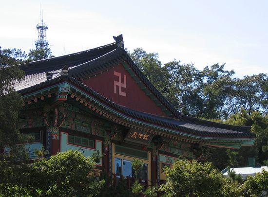 卍(まんじ・かぎ十字・ハーケンクロイツ)に関連した画像-06
