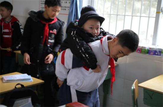 6年間毎日、親友を背負って登下校に関連した画像-03