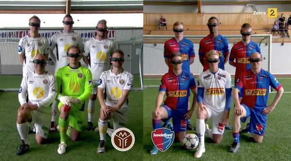 サッカー選手、見下ろし視点で試合に関連した画像-01