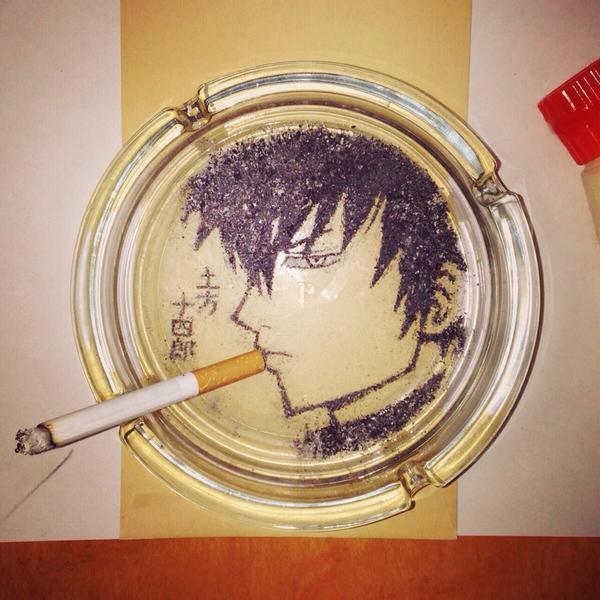 たばこの灰と葉で描いたアニメキャラに関連した画像-03