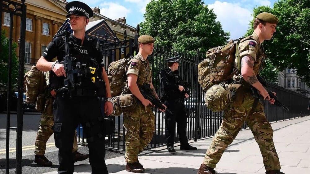 イギリス 機密文書 国防省
