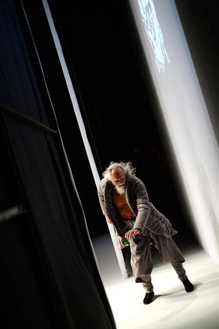 中国のファッションモデル(79歳)に関連した画像-03