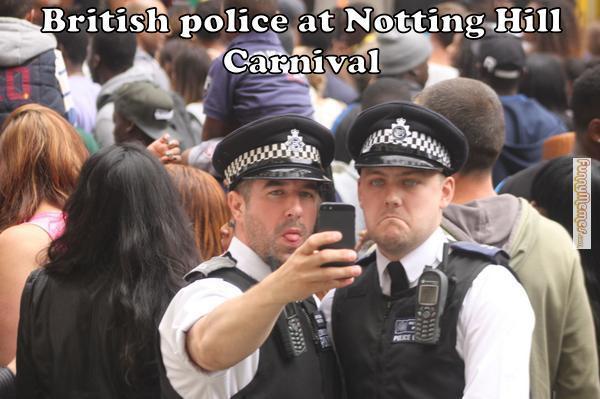 イギリスの治安を守る警察官たちの勇姿に関連した画像-06