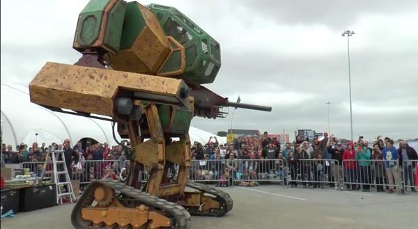 巨大ロボ「メガボット」が「クラタス」に決闘に関連した画像-02