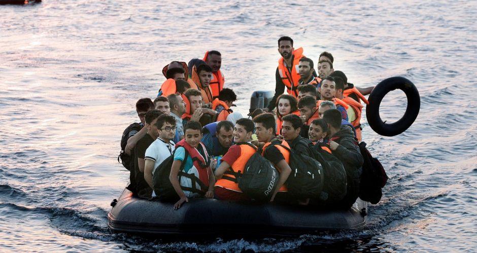 難民ボートにハリーポッターに関連した画像-02