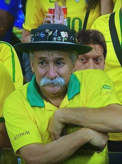 ブラジル惨敗でサポーターの表情が「悲しすぎる」に関連した画像-06