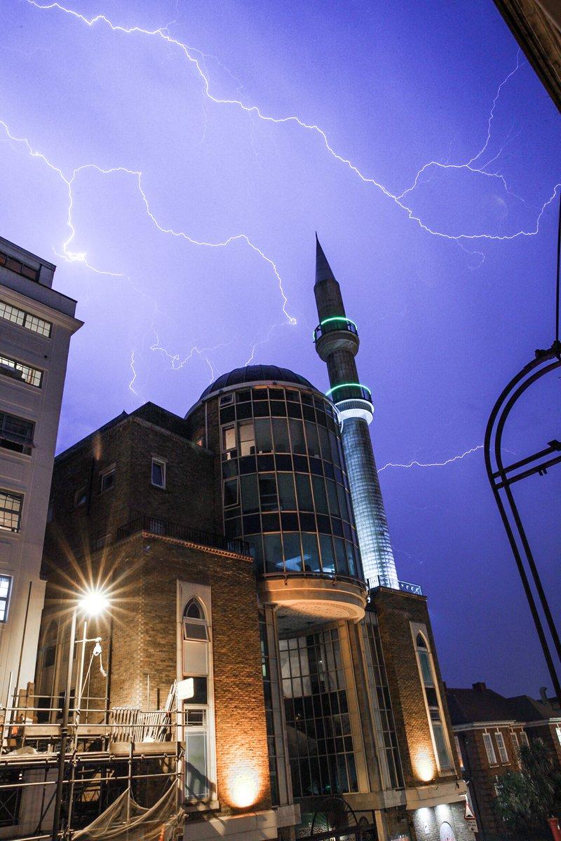 あらゆる雷雨の母(Mother of all thunderstorms)に関連した画像-02