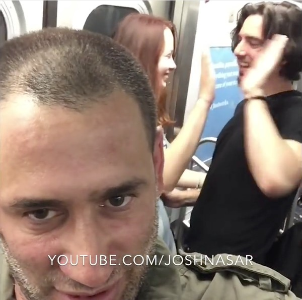 電車内のいちゃつくカップルを撃退に関連した画像-04
