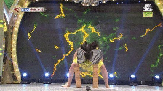 美しすぎる格闘家、武田梨奈&テミ(ケイ・キム)に関連した画像-06