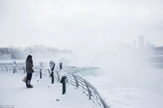 凍ったナイアガラの滝に関連した画像-03