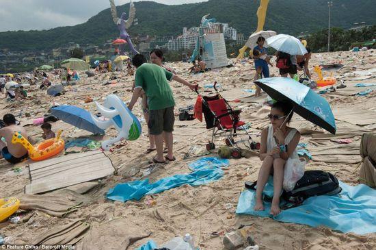 中国の海水浴場がゴミだらけで、外国人唖然に関連した画像-02
