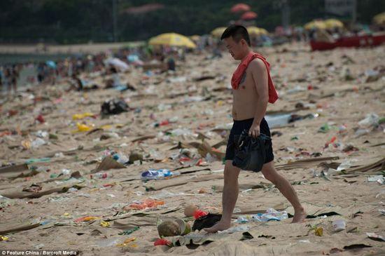 中国の海水浴場がゴミだらけで、外国人唖然に関連した画像-08