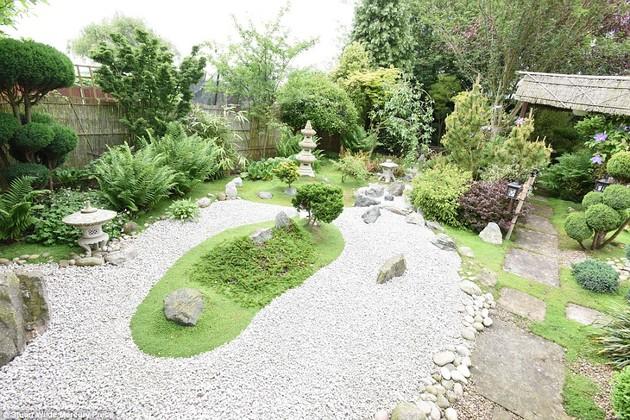 ジョン・ブレードさん15年かけて自宅に日本庭園に関連した画像-03