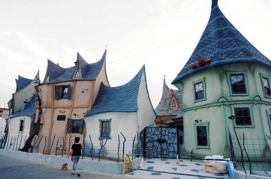 浜松にある「魔女の館」に関連した画像-01