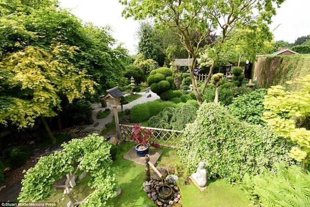 ジョン・ブレードさん15年かけて自宅に日本庭園に関連した画像-02