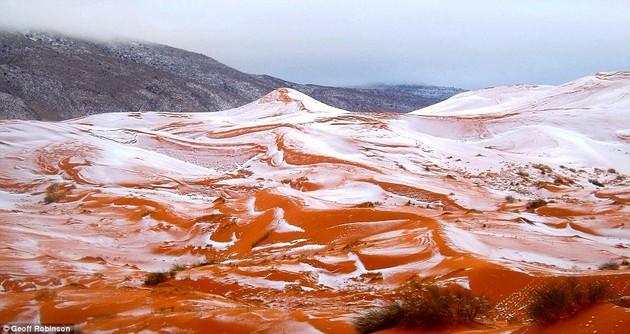 サハラ砂漠で37年ぶりに降雪に関連した画像-02