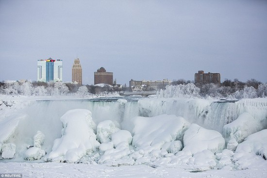 凍ったナイアガラの滝に関連した画像-02