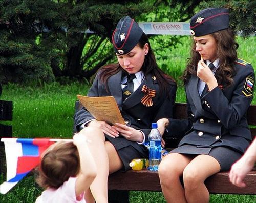 ロシアの女性警官に関連した画像-01