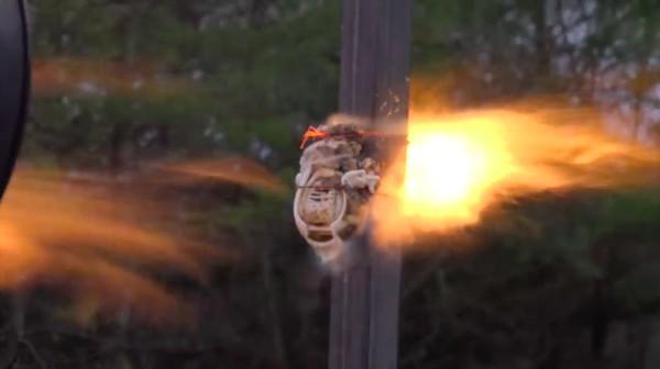 エルモ VS ジェットエンジンに関連した画像-08