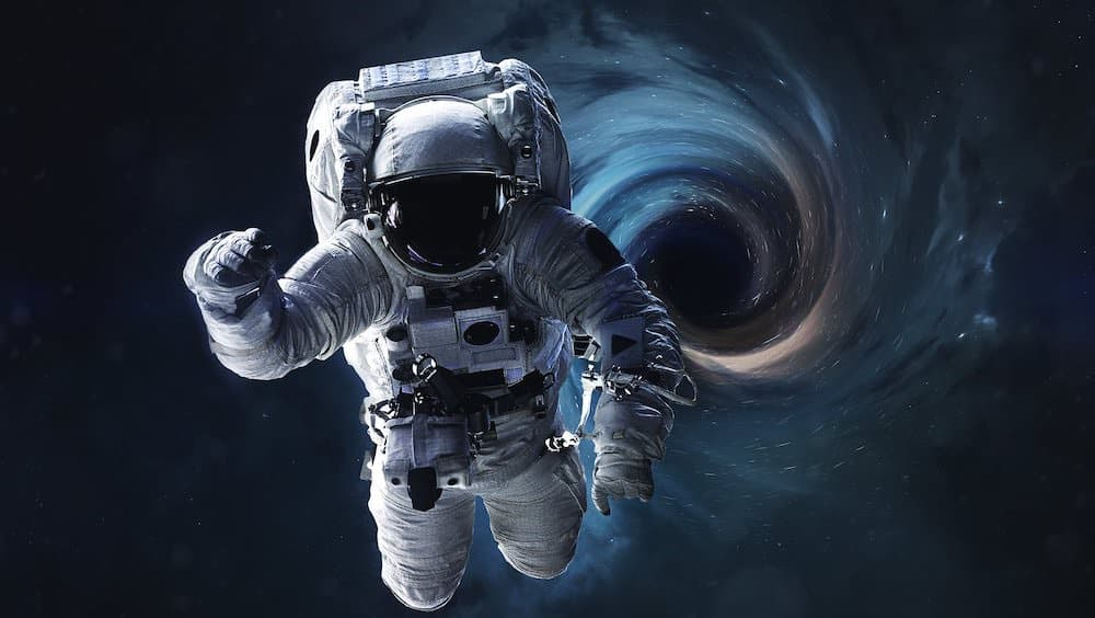 ブラックホール 事象の地平面 スパゲッティ化現象
