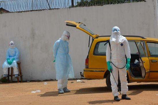 エボラ出血熱で死亡したアフリカ人が生き返り、地元民パニックに関連した画像-06