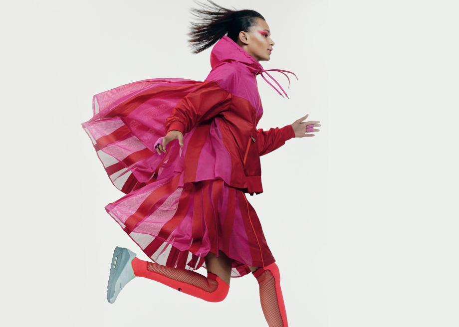NikeLab x sacai ウィメンズスポーツウェアコレクションに関連した画像-02