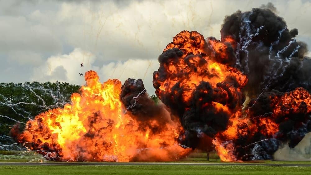 性別披露 アメリカ 爆発 タネライト