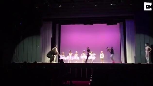 バレエ発表会の練習中にステージで娘が大泣きに関連した画像-01