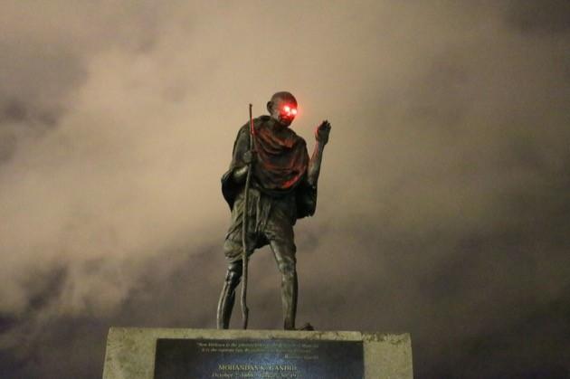 ガンジー像に関連した画像-05