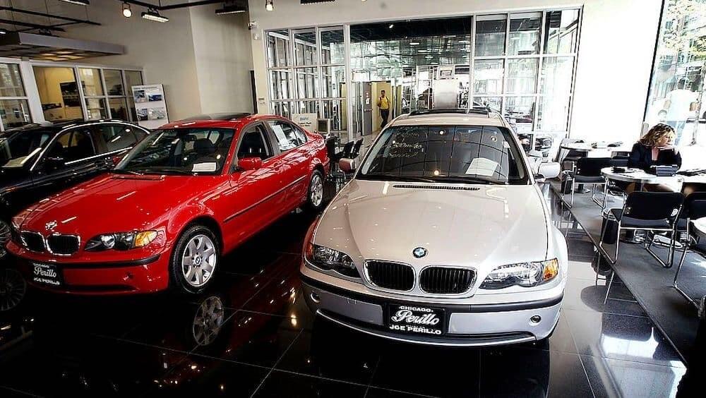 アメリカ レンタカー 銀行強盗 BMW