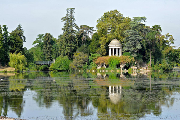 パリで最も広大な公園、ヴァンセンヌの森、ドメニル湖の写真