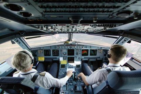 パイロットと客室乗務員が明かす衝撃の事実に関連した画像-13