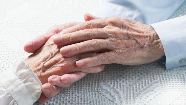イギリス 老夫婦 病院に関連した画像-01
