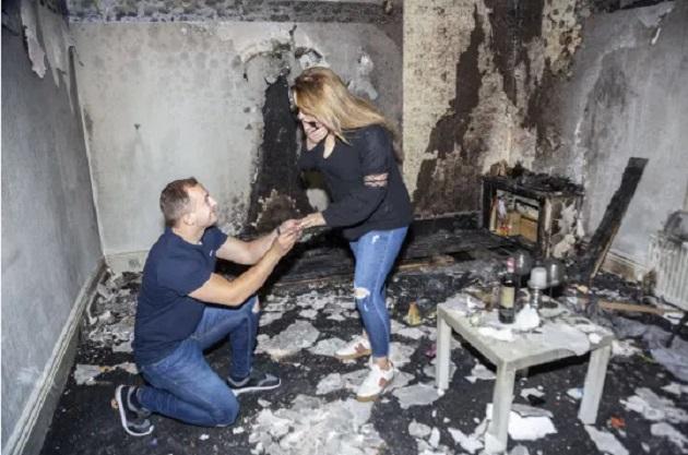 イギリス 全焼 プロポーズに関連した画像-05