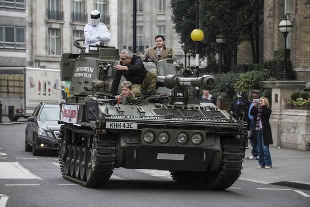 戦車出動!スティッグが嘆願書をBBCへ提出に関連した画像-03