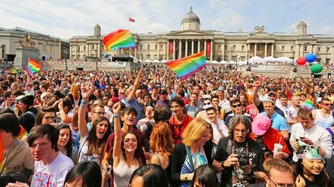 """CNNがロンドンで掲げられた""""イスラム旗""""を問題視に関連した画像-02"""