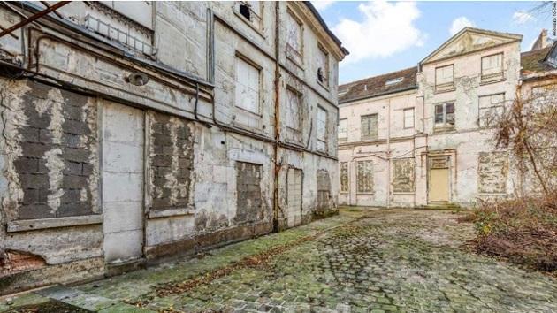 フランス 邸宅 遺体に関連した画像-03