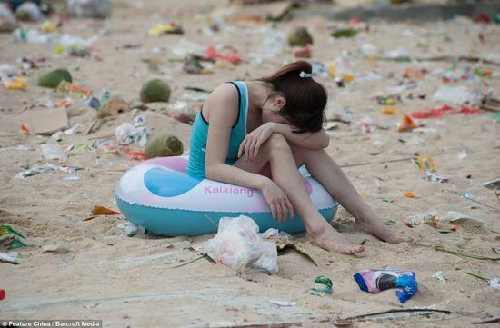 中国の海水浴場がゴミだらけで、外国人唖然に関連した画像-03