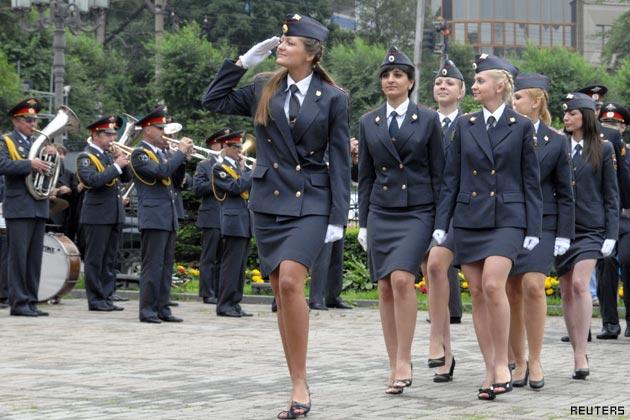 ロシアの女性警官に関連した画像-03