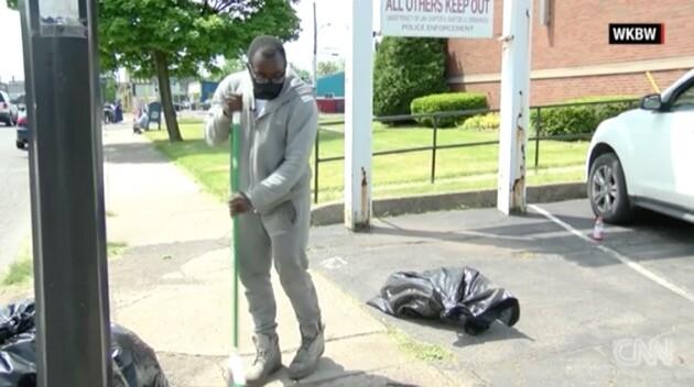 高校生 清掃 黒人 アメリカ 抗議デモ マスタングに関連した画像-01