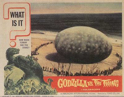 津波で打ち上がった「謎の巨大生物」に関連した画像-07