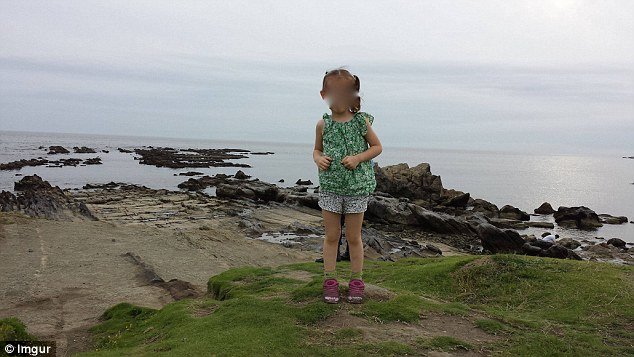 女の子の背後に日本のサムライが写り込むに関連した画像-05