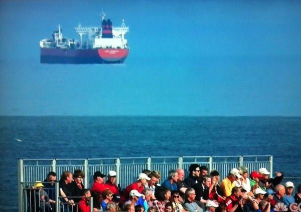 空飛ぶ船に関連した画像-01