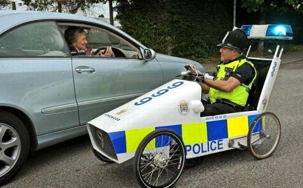 イギリスの治安を守る警察官たちの勇姿に関連した画像-07