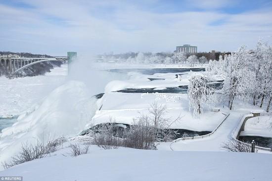 凍ったナイアガラの滝に関連した画像-05