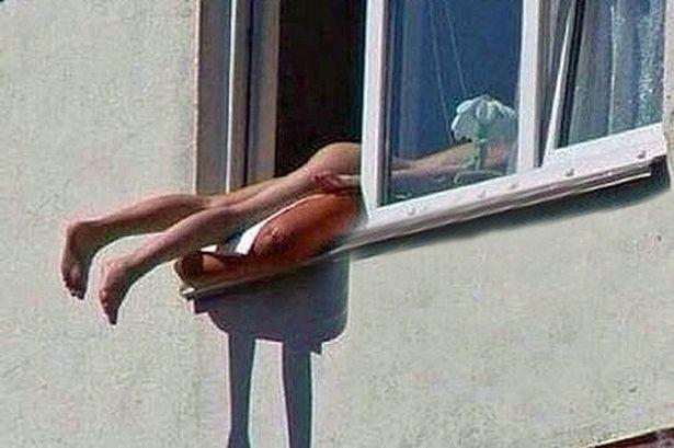 全裸で日光浴に関連した画像-01
